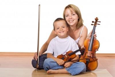 mama i synek nauka jak zabawa w domu